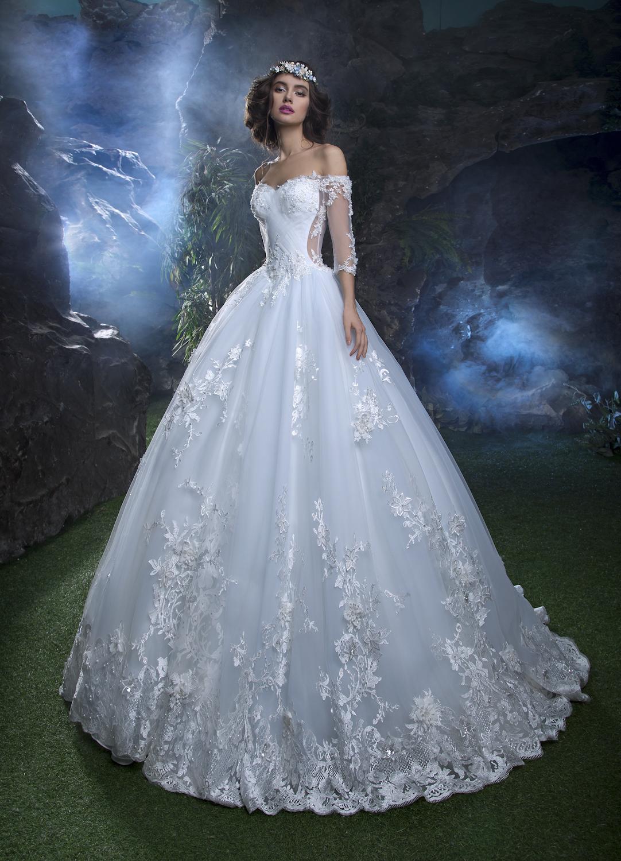 b4a53aa0c0 Suknia ślubna i dodatki